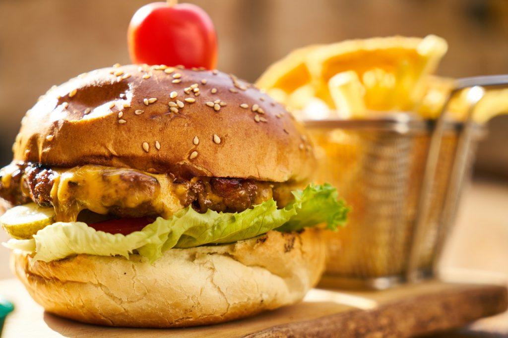 hamburguesa de pollo con kiwi