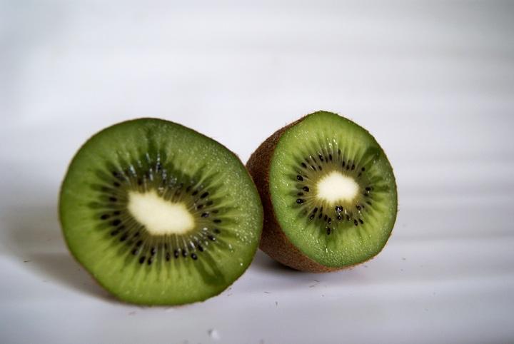 manchas en el kiwi