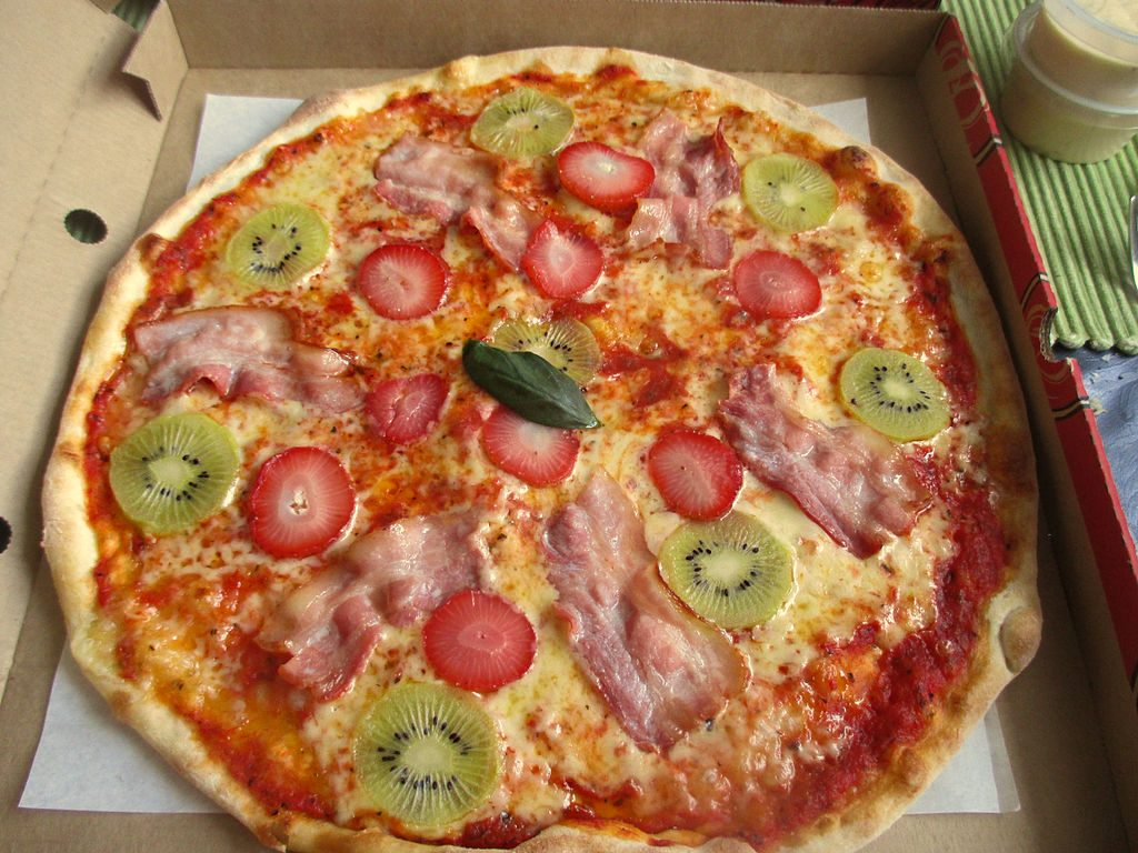 pizza con kiwi kiwi pizza pizza kiwi kiwi + pizza
