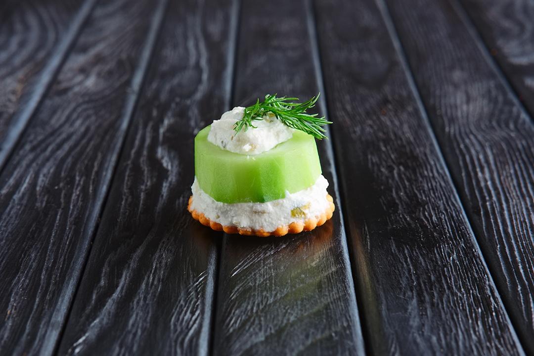 kiwi relleno de queso