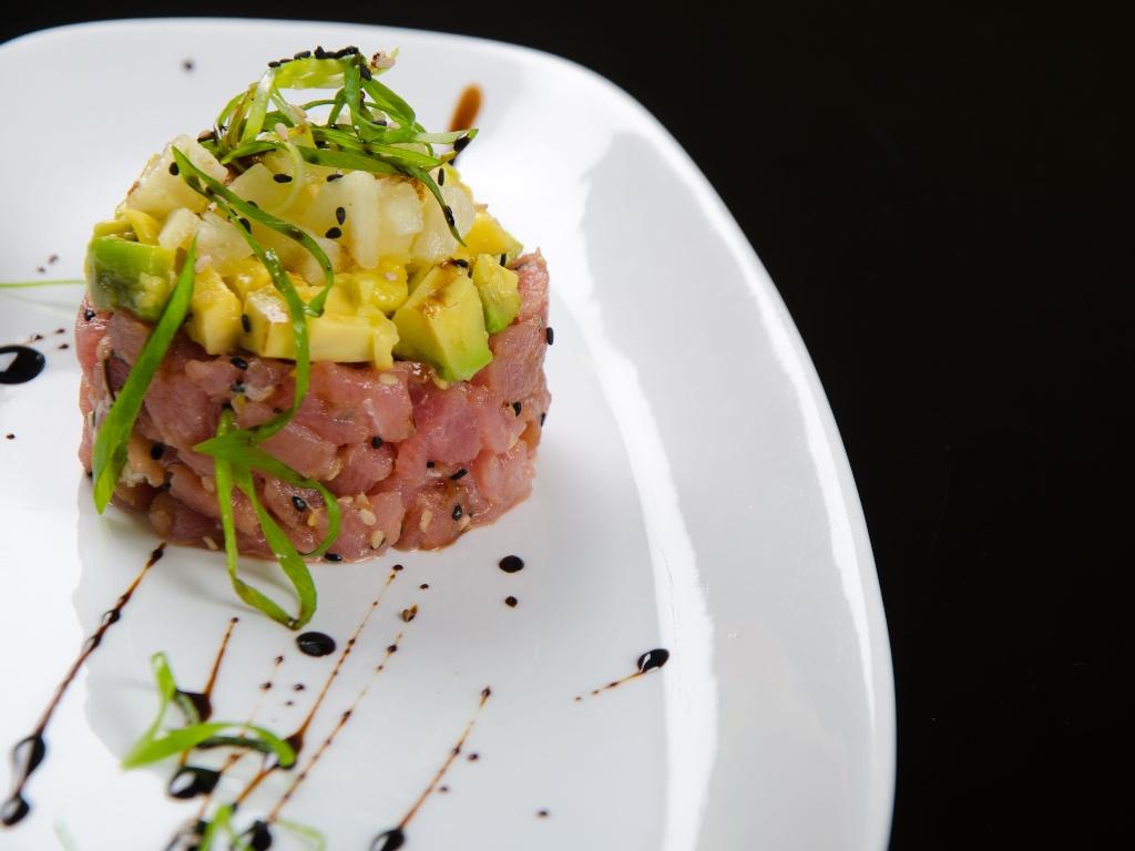 tartar de salmón y kiwi